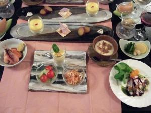 今晩のディナーです!とにかく素晴らしい心のこもった創作料理でした!