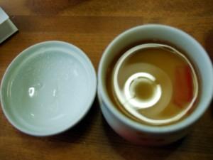 関西風あんかけ茶碗蒸しですが、中身になんと大好物の高級生麩が入っていました。生麩は、草津のペンションらんぶると続いて二度目も食べられてうれしかった!