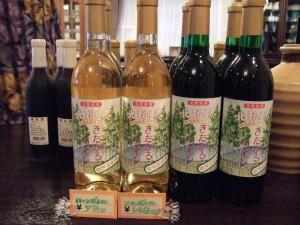 北軽井沢ワインとブルベリーワインは、こちらのペンションで買うとお得です!(他のお店では少し高いです。)しかも、ペンションご夫妻が丁寧に包装してくれます♪