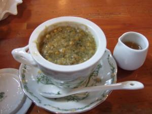 3分経って蓋を開けたら何とカモミールの茶葉!