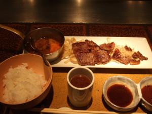 前回と同じく、和牛サーロイン 小角ステーキ(¥1750)を注文!