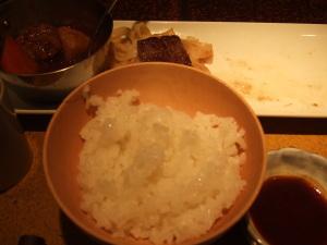 相変わらず美味しくて、ついついご飯をおかわりしちゃいました(^^;)ご飯もいいお米を使用してます。