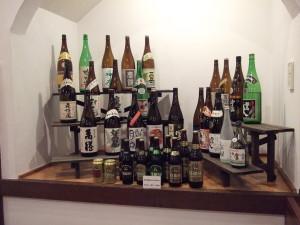 ビールや日本酒。それ以外に地酒や地ビール(軽井沢高原ビール)、ワインも置いています。
