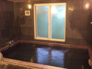 もう一か所、こちらは三~四人用の広いお風呂です。