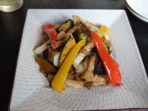 今回、ペンションの朝食で義父以外はあまりお腹は空いていないけど、川上庵の一品料理はいくつか注文しました。お腹が一杯でも料理が美味しいと別です!