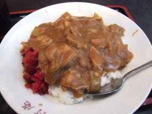 大村庵のカレーライスはお肉が沢山です!