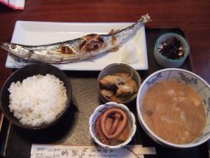 浜富さんの焼き魚ランチの秋刀魚定食。
