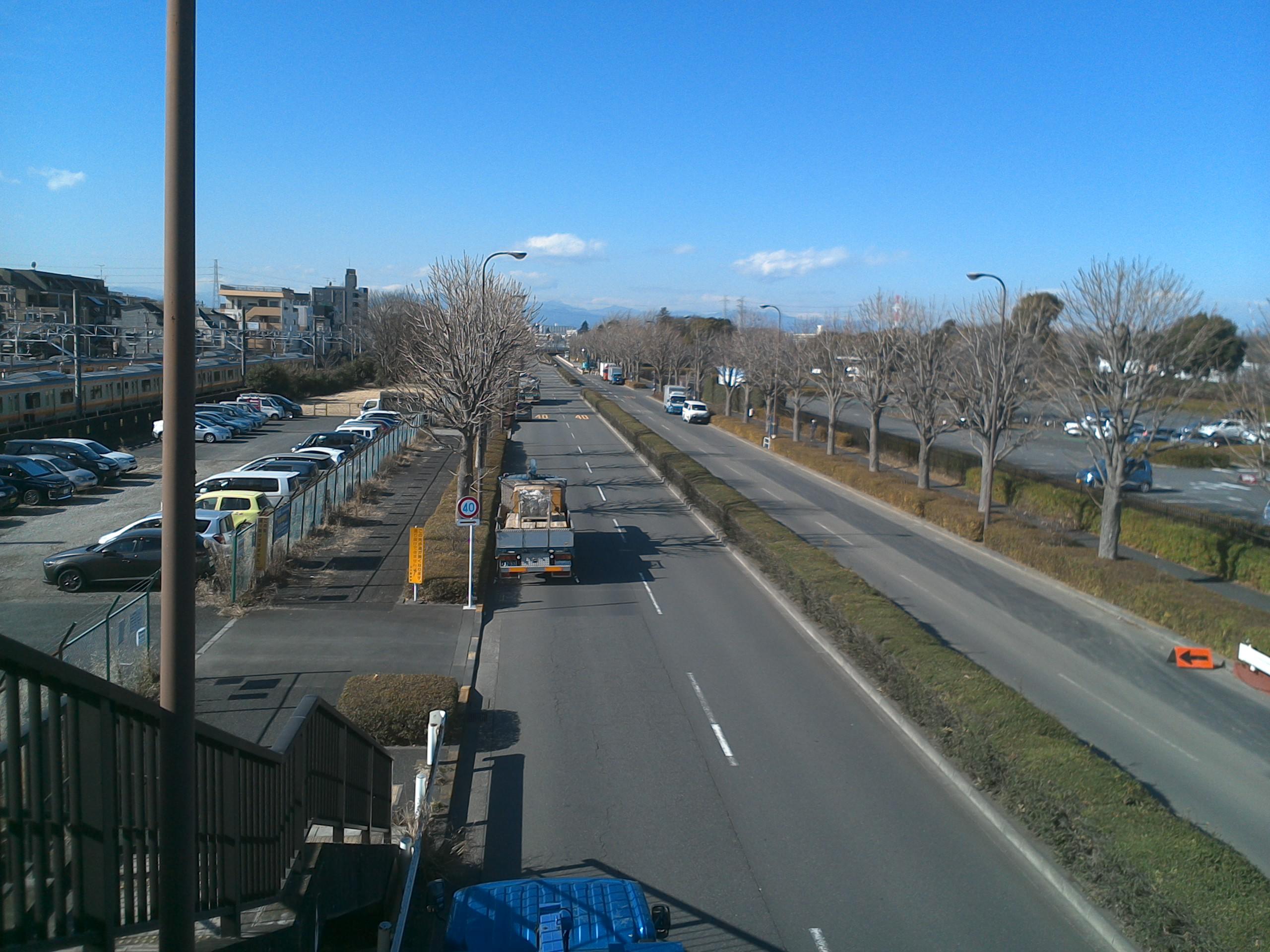 公園方向右側は立川駅方面