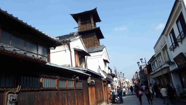 私は時の鐘が大好きです。この建造物をみて心が和みます。まさに、小江戸に来ました!といった感じです。