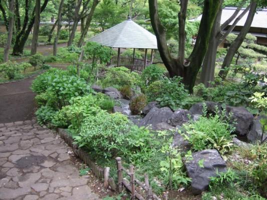 お庭の階段道