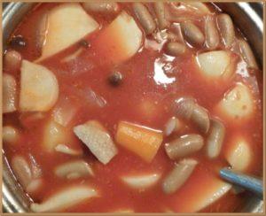 にんにく風味のトマト鍋