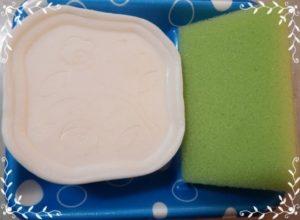 ラムネわらび餅の水玉模様の容器を再利用!