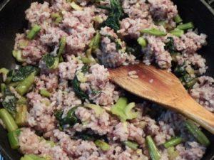 5.野沢菜を加える。