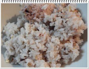 5.前日余った雑穀ご飯を用意する。