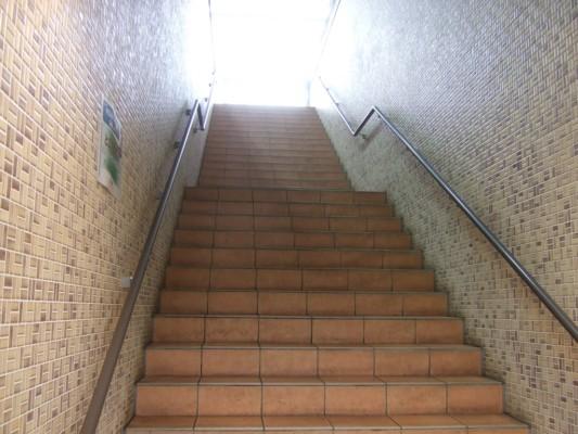 とこてらすの階段