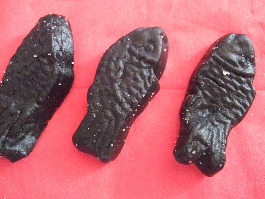 IKEAの黒い魚のグミ