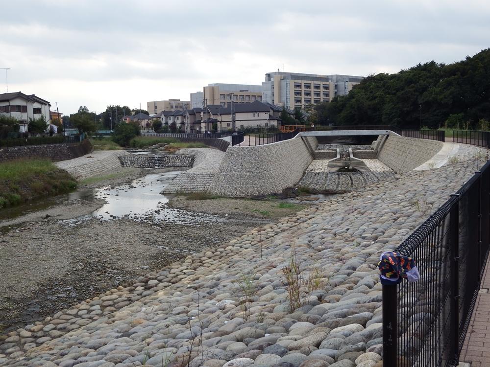 空堀川(上流方面)