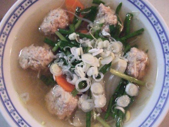 春雨入り鶏団子スープ