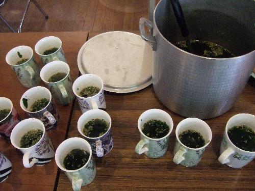 教会ランチのわかめスープ