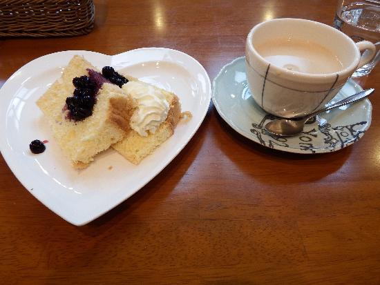 ケーキセット シフォンケーキ&チャイラテ