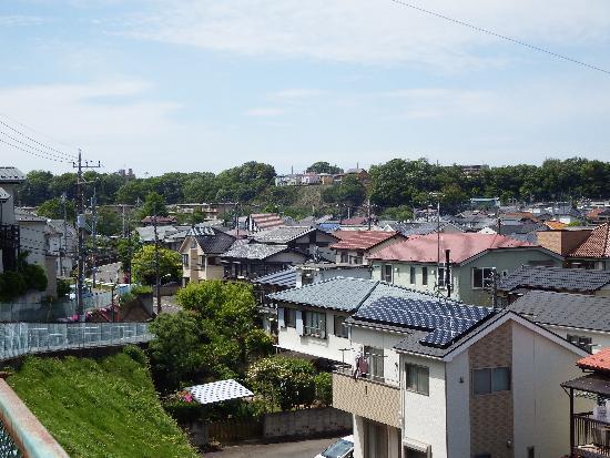 清瀬市中里四丁目付近の丘から東所沢方面を望む