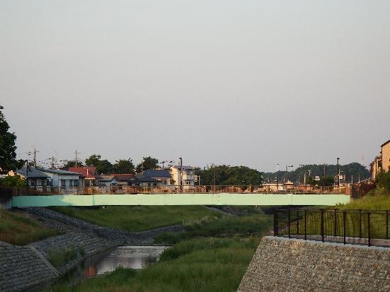 空堀川・柳瀬川合流地点(下流方面)にある「くるまや橋」