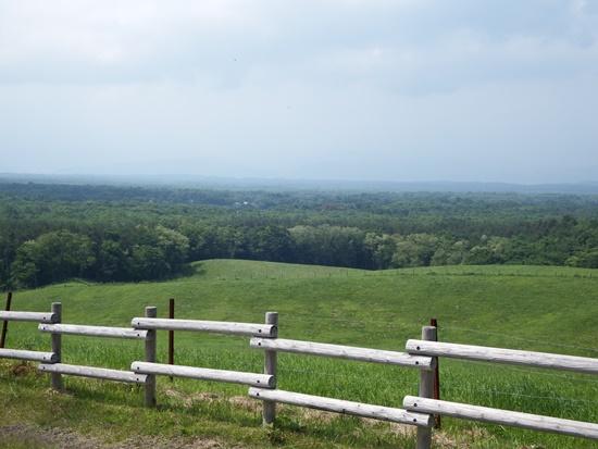 丘の上へ登ればそこは雄大な自然が広がります。