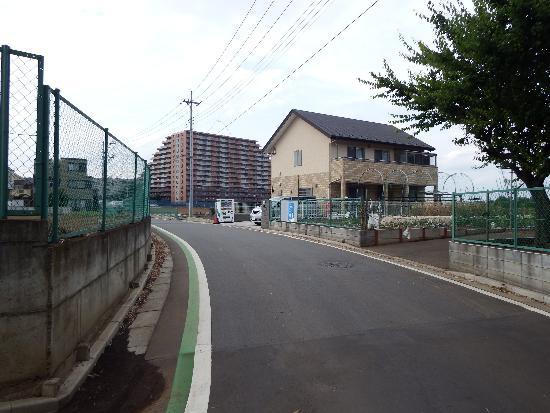 左方向(上り)は埼玉県道方面