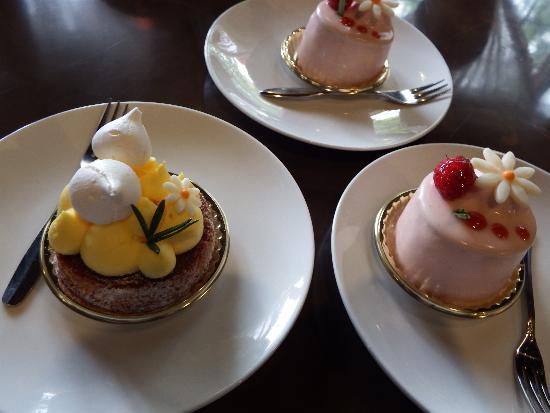 Cafe de Fourmiliere cake